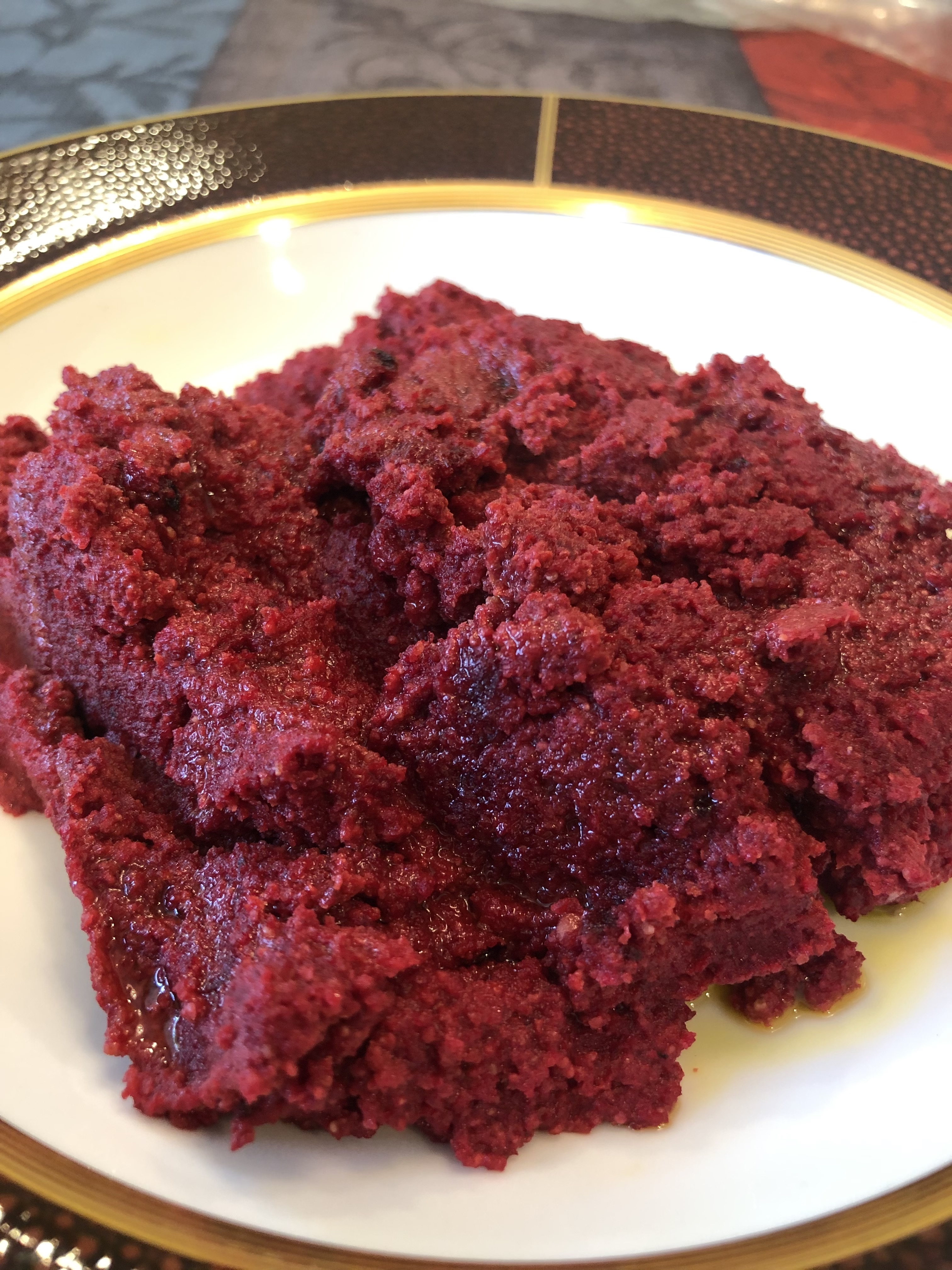 Beetroot-poppy seed